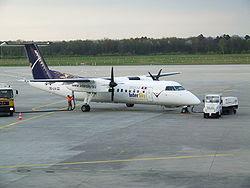 Máy bay DHC-8 của InterSky ở Sân bay Köln-Bonn