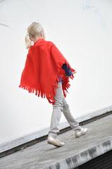 DIY Gift Ideas :: a polar fleece poncho