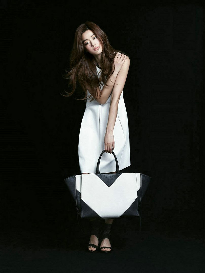 http://i966.photobucket.com/albums/ae145/ockoala/Jeon%20Ji%20Hyun/xuni8.jpg