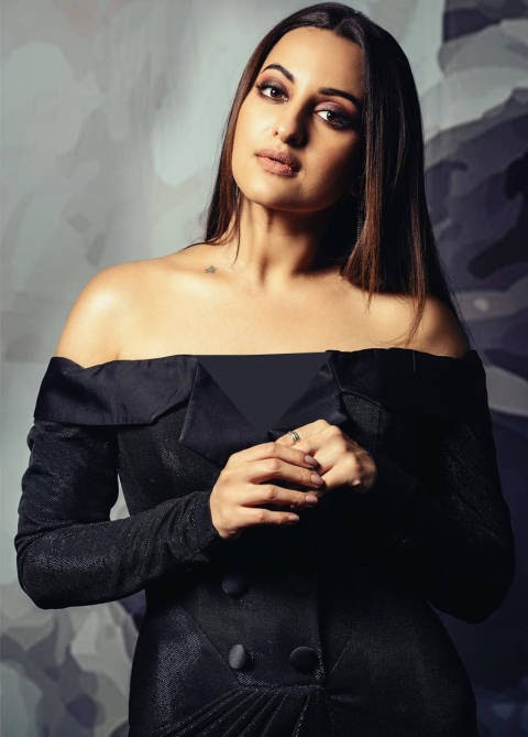 Sonakshi is looking very beautiful in recent photoshoot, see photos!