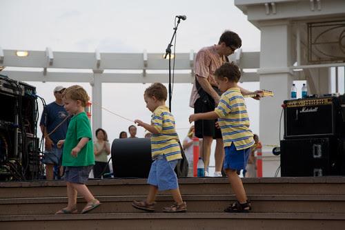 Kids at the boardwalk concert