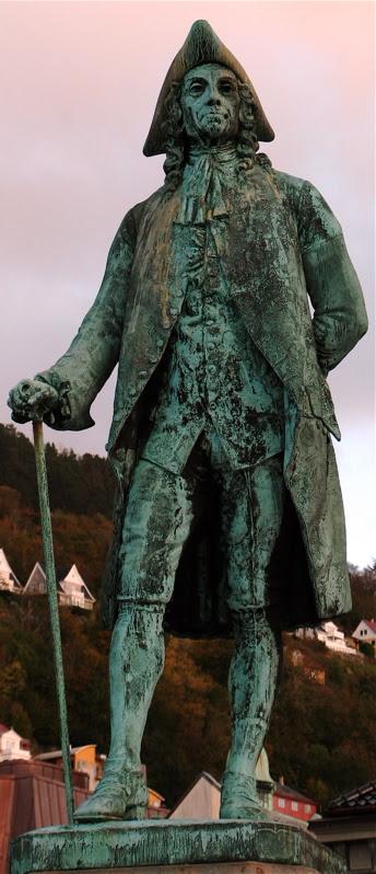 Statue of Ludvig Holberg in Bergen, Norway (Sculpturer: John Børjeson, Photo: Nina Aldin Thune)