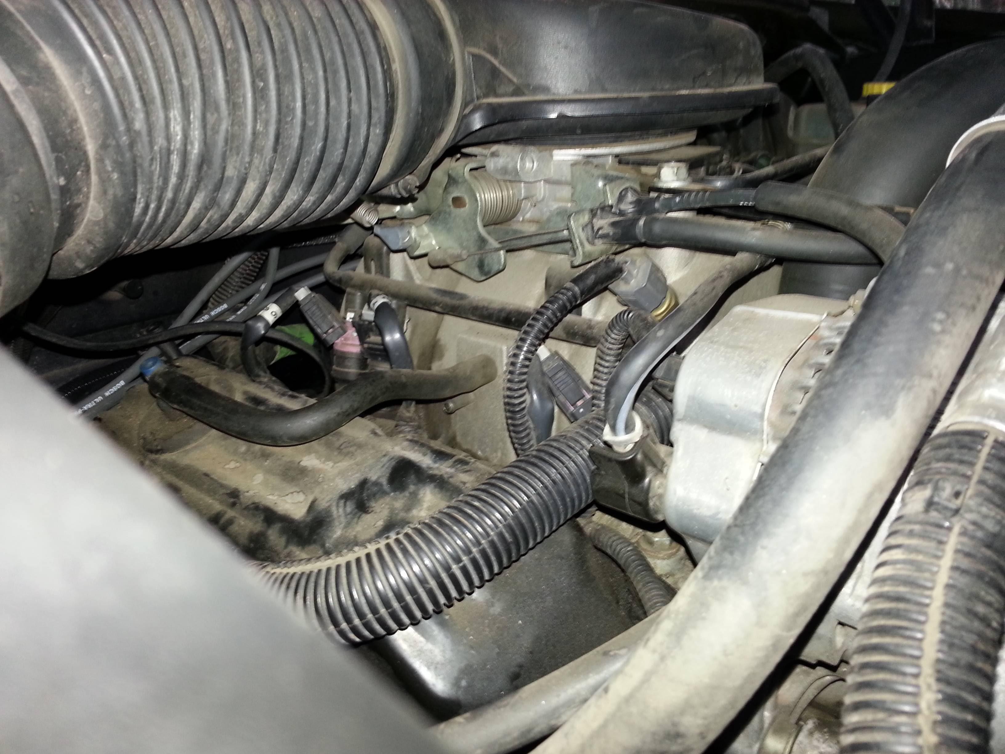 Help Open Vacuum Nipple On Intake Can T Figure Out Where It Should Go 3 9l Dakota Forumz