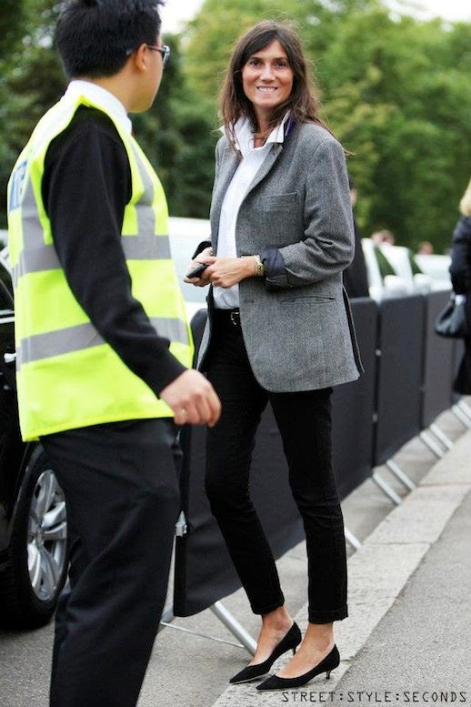 Le Fashion Blog 11 Ways To Wear Kitten Heels Emmanuelle Alt Street Style Grey Jacket Blazer White Button Down Shirt Cropped Jeans Via StreetStyle Seconds photo Le-Fashion-Blog-11-Ways-To-Wear-Kitten-Heels-Emmanuelle-Alt-Street-Style-Grey-Jacket-Via-StreetStyle-Seconds-10.jpg