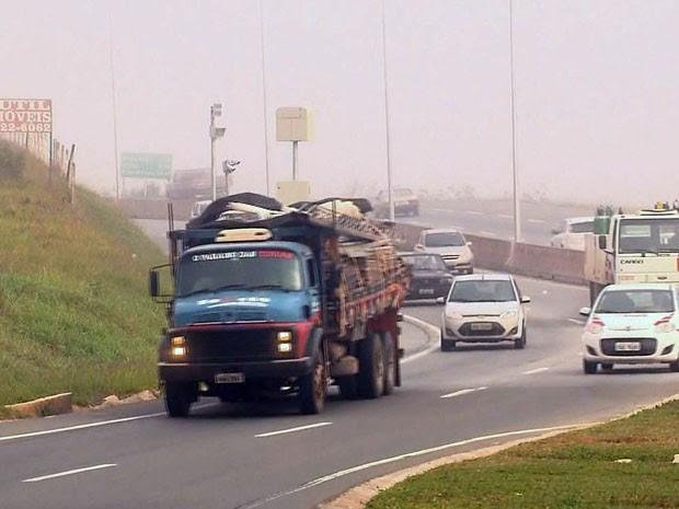 Novos radares são instalados na BR-459, entre Pouso Alegre e Itajubá (Foto: Reprodução EPTV)