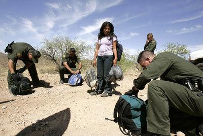 Captura de una mujer que intenta entrar a EE UU por el desierto de Arizona