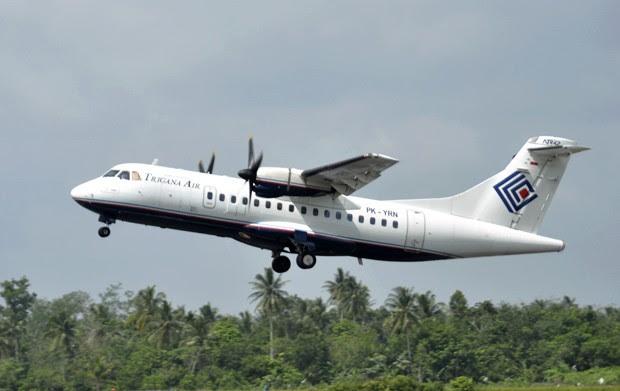 Foto de arquivo de dezembro de 2010 mostra avião da Trigana Air Service ATR42-300, similar ao que desapareceu em Papua-Nova Guiné (Foto:  AP Photo)