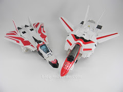 Transformers Jetfire G1 - modo alterno vs Classic
