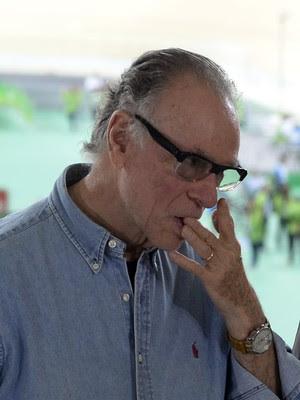 Carlos Arthur Nuzman velódromo corte no dedo (Foto: Andre Durão)