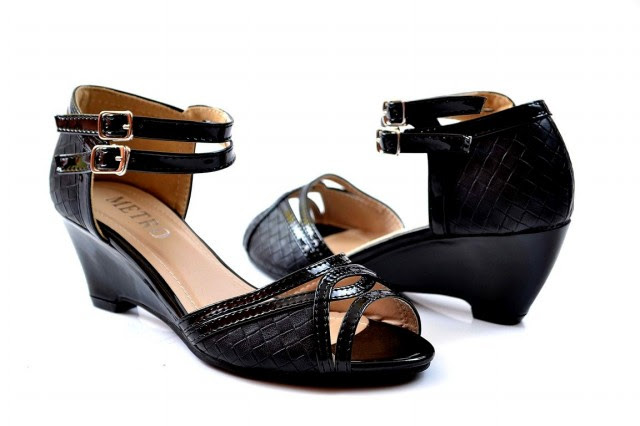 Girls-Womens-Beautiful-Casual-High-Shoes-Eid-Footwear-Collection-2013-by-Metro-Shoes-9