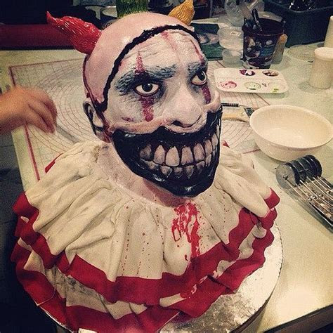 Best 25  Horror cake ideas on Pinterest   Halloween cakes