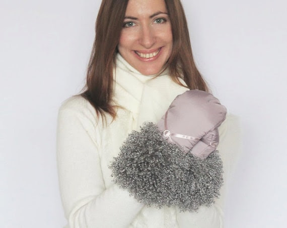 Women Mittens Winter Mittens Gloves Hazel Beige Pink Fallow Mittens Gloves with the Grey Lama Vegan Faux Fur