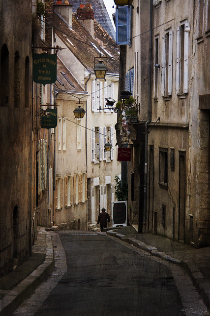 Chartres city street