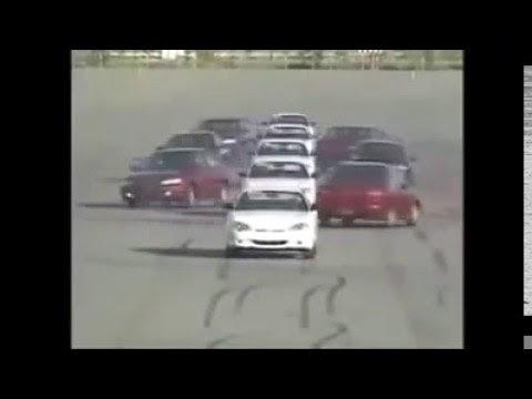 شاهد:استعراض رائع بالسيارات ..بصراحة فن والله وشيء جميل