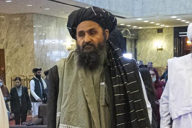 Ascenso de mulá refleja largo camino de regreso del Talibán