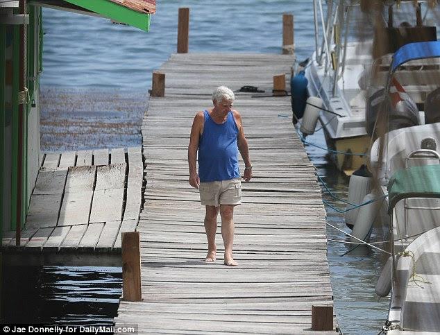 Oceanside: La isla Belizian donde Bill Wilkinson vive ahora es conocida por su buceo en aguas del Caribe