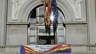 La façana de l'Ajuntament de València aquest dijous