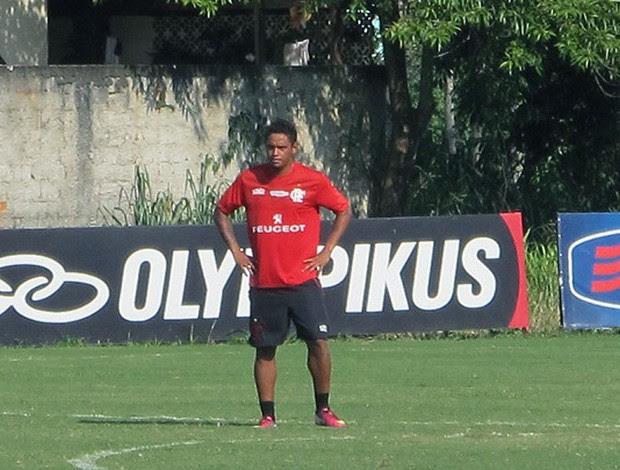 Carlos Eduardo no treino do Flamengo (Foto: Richard Souza )