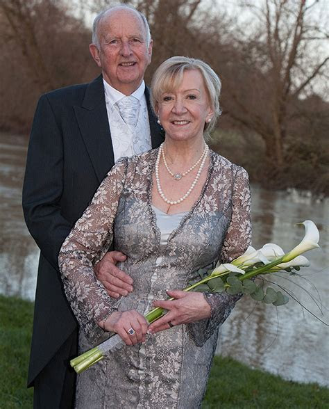 Wedding Dresses For Mature Brides   Amature Housewives