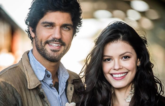 """Bruno Cabrerizo (Inácio Ramos) e Vitória Strada (Maria Vitória) na novela """"Tempo de Amar"""" (Foto: Globo João Miguel Júnior)"""