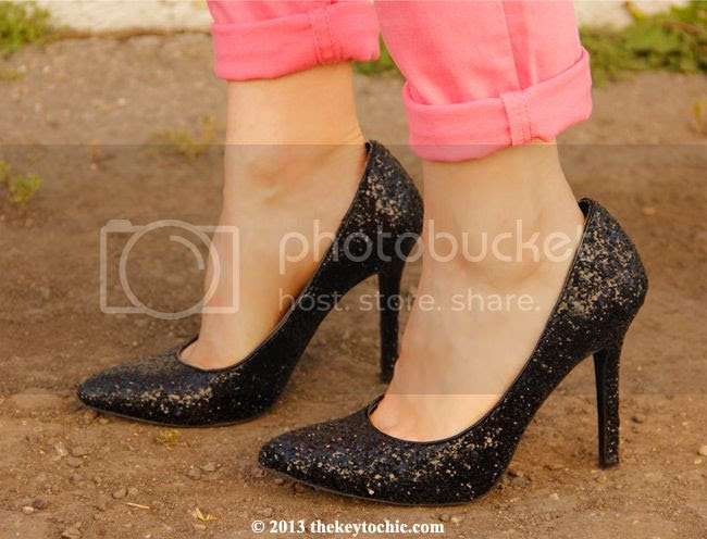 Cheap Monday pink skinny jeans, Mossimo Viveca black glitter pumps, L.A. fashion blog