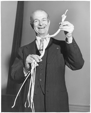 http://commons.wikimedia.org/wiki/File:Linus_Pauling_with_rope.jpg