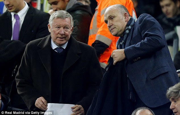 Scouting: Sir Alex Ferguson and his United assistant Mike Phelan were in the stands at the Nou Camp