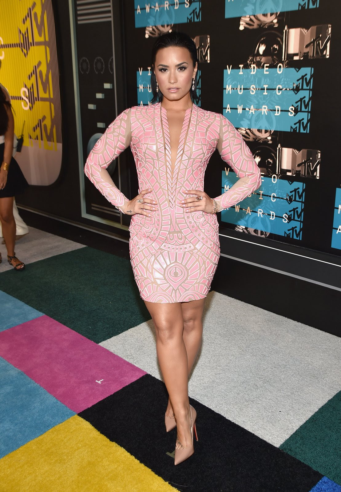 http://media.vogue.com/r/h_1600,w_1240/2015/08/30/demi-vma-2015.jpg
