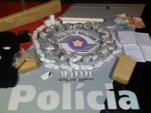 Homem é preso com dois quilos de maconha em Ubatuba (Foto: Divulgação/Polícia Militar)