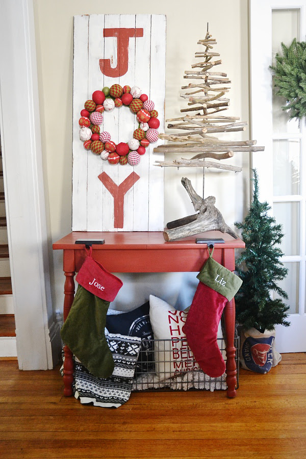 Top Traditional Christmas Decorations - Christmas ...