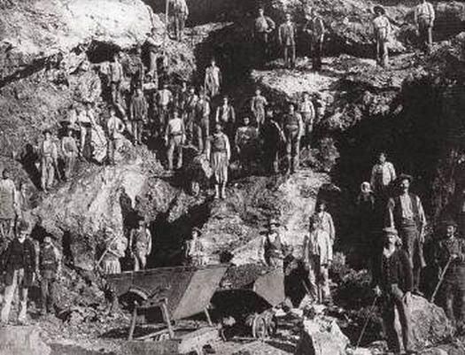 Μεταλλωρύχοι στις αρχές του περασμένου αιώνα