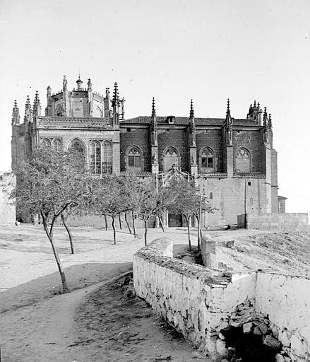 San Juan de los Reyes en septiembre de 1907. Fotografía de Petit. Société Française d'Archéologie et Ministère de la Culture (France), Médiathèque de l'architecture et du patrimoine (archives photographiques) diffusion RMN