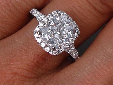 2.48 CTW CUSHION CUT LAB GROWN DIAMOND ENGAGEMENT RING D VS1