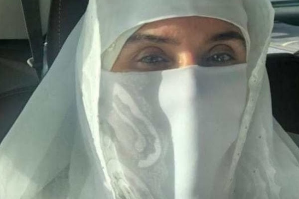 93c80ee062a57 دينا تنفي ارتداء النقاب أثناء أداء العمرة في السعودية