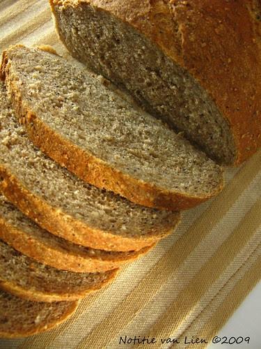 Multigrain bread -sliced