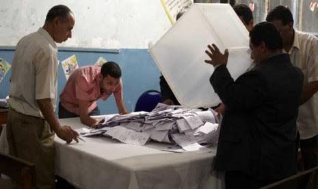 Partai Islam Menang, Penari Perut Ganti Kostum