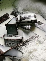 preparando el chocolate negro
