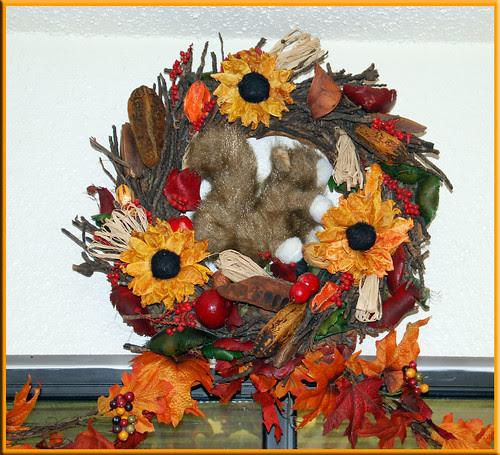 Squirrel-Wreath