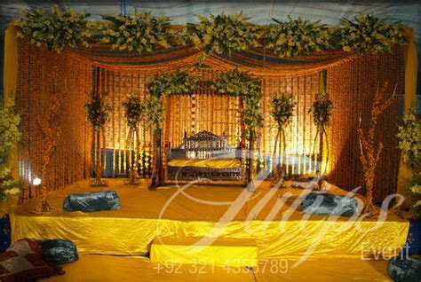 Hire Best Mehendi Stage Designer Decorator in Lahore