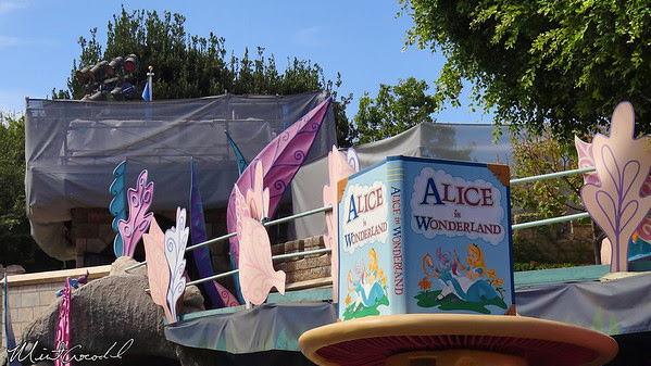 Disneyland, Castle, Wall, Safety, Alice in Wonderland
