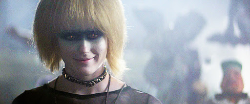 Pris looks hot, but menacing.