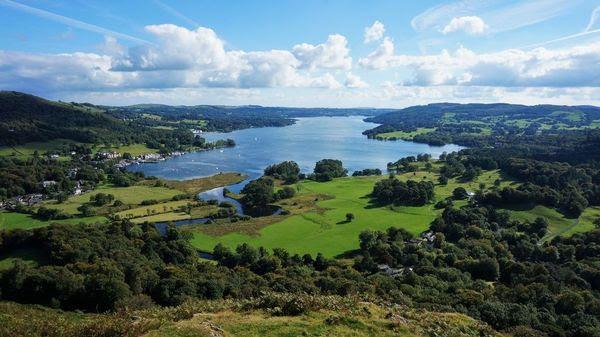 Αποτέλεσμα εικόνας για Lake District is Lake Windermere