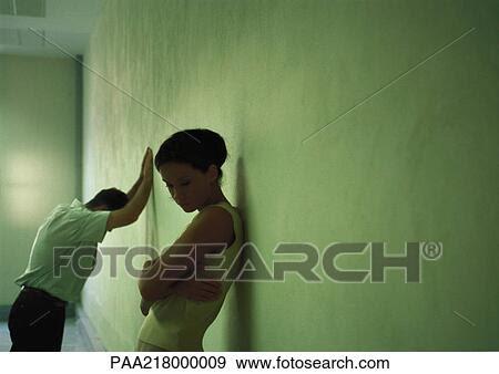 Colección de fotografía - pareja, disputa,  desacuerdo, divorcio,  separación, ruptura,  pelea. fotosearch  - buscar fotos  e imágenes y murales  de pared, imágenes  y fotos de clip-art