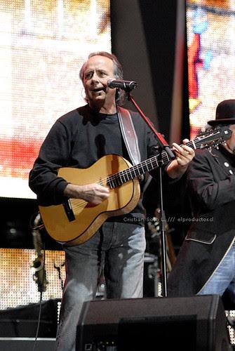 Joan Manuel Serrat y Joaquín Sabina en el velódromo del Estadio Nacional - Santiago Chile 2007