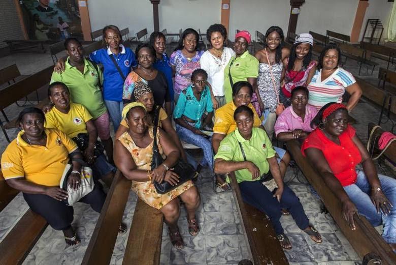 Um grupo de mulheres na Colômbia tem arriscado a vida durante os últimos quatro anos para ajudar outras mulheres sobreviventes de deslocamento forçados e da violência sexual em Buenaventura, uma das regiões mais perigosas do país.Elas fazem parte da Rede Borboletas (ou Borboletas com Novas Asas, Construindo um Futuro), a ONG que receberá nesta sexta-feira (12) o Prêmio  Nansen de Refugiados 2014, concedido pela Acnur (Alto Comissariado da ONU para Refugiados).A seguir, saiba mais sobre o trabalho desenvolvido pelas Borboletas
