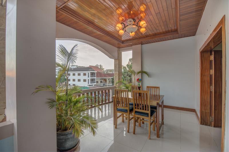 Discount DV Angkor Villa