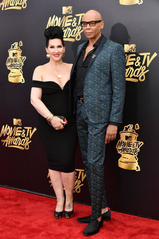 http://i3.mirror.co.uk/incoming/article10377466.ece/ALTERNATES/s1227b/MTV-Movie-TV-Awards-Arrivals-Los-Angeles-USA-07-May-2017.jpg