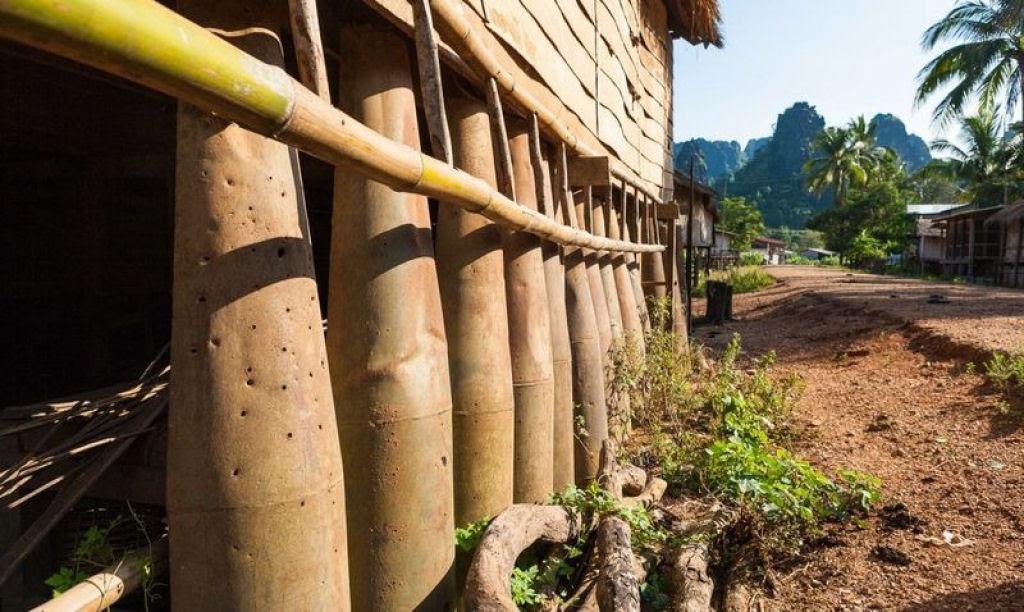 Bombas não detonadas encontram uso diário nas aldeias do Laos 05