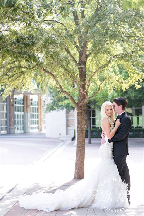 Brianna & Ross ? Portraits at TCU Campus and Reception at
