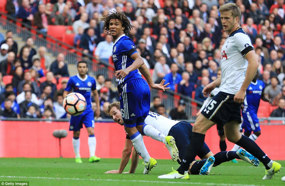 Harry Kane improvised with a backward-directed header to draw Spurs level in the 18th minute against rivals Chelsea